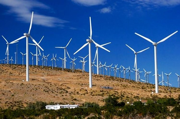 تجهیزات نیروگاههای تجدیدپذیر کشور تحت پوشش بیمه نیستند