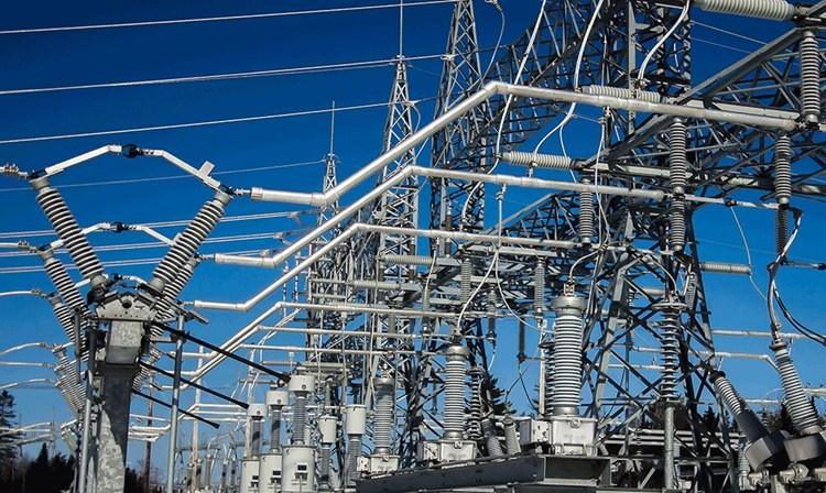 تاکید بر پیگیری چالش قراردادها و مطالبات صنعت برق