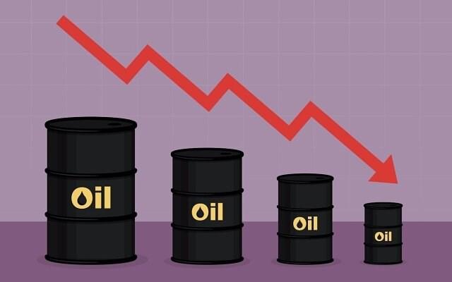 نفت آمریکا به زیر ۴۰ دلار سقوط کرد